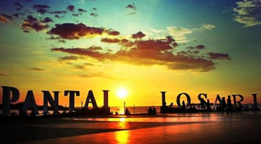 Losari Beach Makassar - all about sulawesi