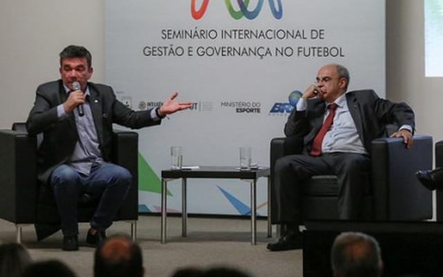 e6475f7522 Andrés Sanchez elogia gestão de Bandeira
