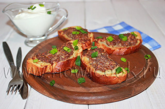 рецепт горячих бутербродов с фаршем и сыром