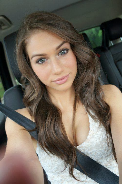 Hot Nasty Babes Sexy Pictures: Cute Teen Selfie!