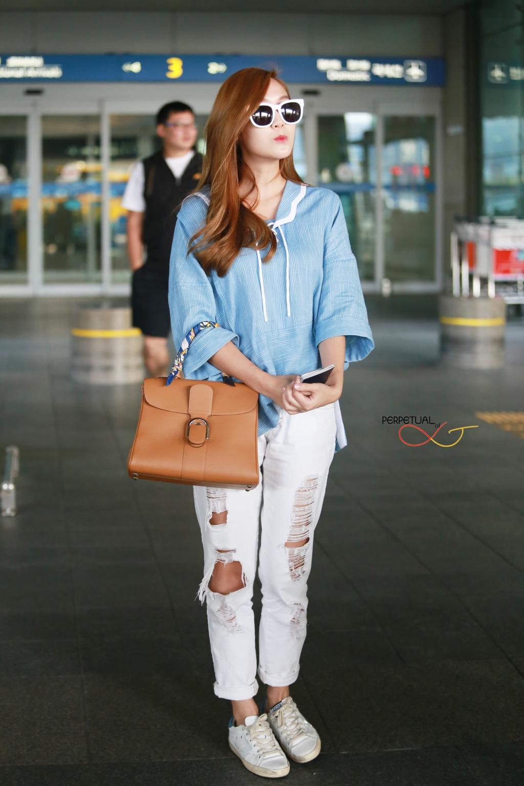 Jessica Airport Fashion 2015