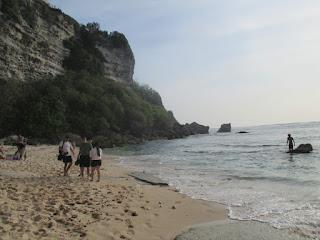 Tempat Wisata Pantai Suluban