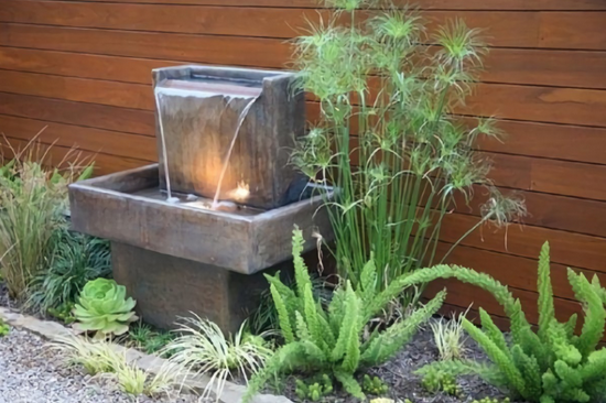 11 Desain kolam pancuran mini modern untuk membuat rumah minimalis lebih asri dan sejuk