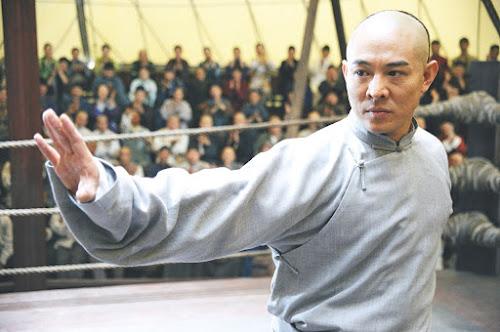 Jet Li representando Huo Yuanjia no filme O Mestre das Armas (Fearless, 2006)