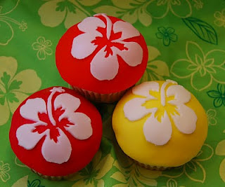 Fondant Hibiscus Cupcakes Tutorial Pineapple And Coconut