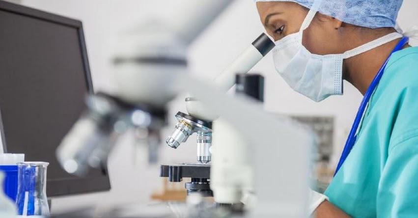 Congreso aprueba ley para reconocer labor de investigador científico