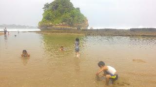 Parang dowo, pantai ramah anak di malang selatan