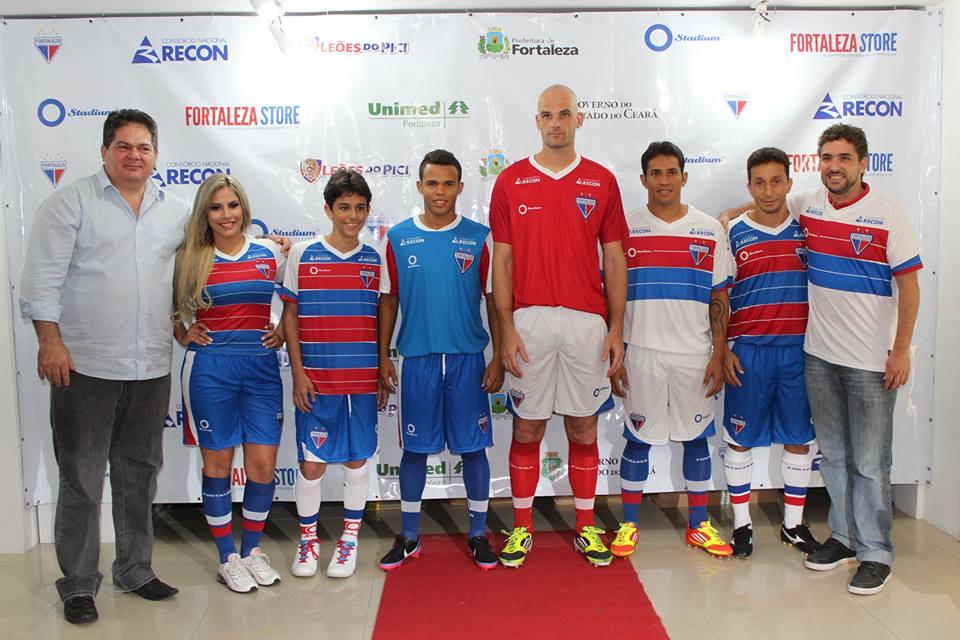 9ad024ec9a O presidente do Fortaleza EC Osmar Baquit comandou a festa de lançamento  dos novos uniformes da temporada 2013
