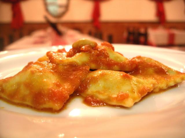 ricetta pasta ripiena Raieu cu-u tuccu ravioli alla genovese