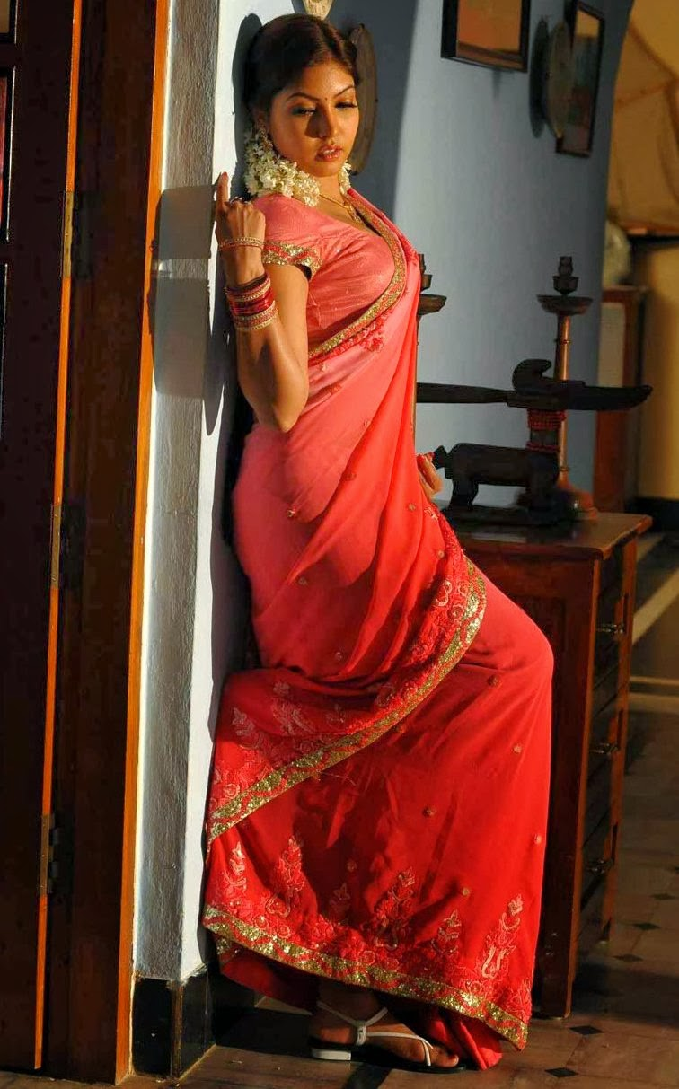 Telugu Actress Komal Jha Latest Hot Sexy Saree Photos -1585