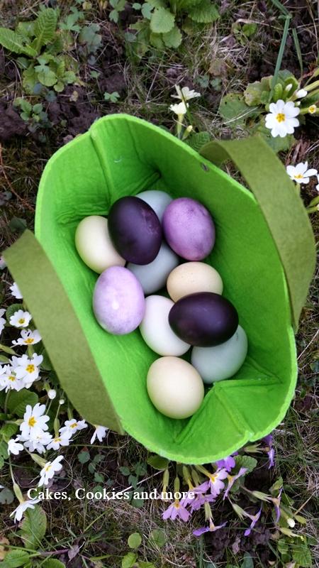 Ostereier mit Naturfarben