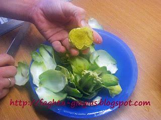 Αγκινάρες με αρακά - από «Τα φαγητά της γιαγιάς»