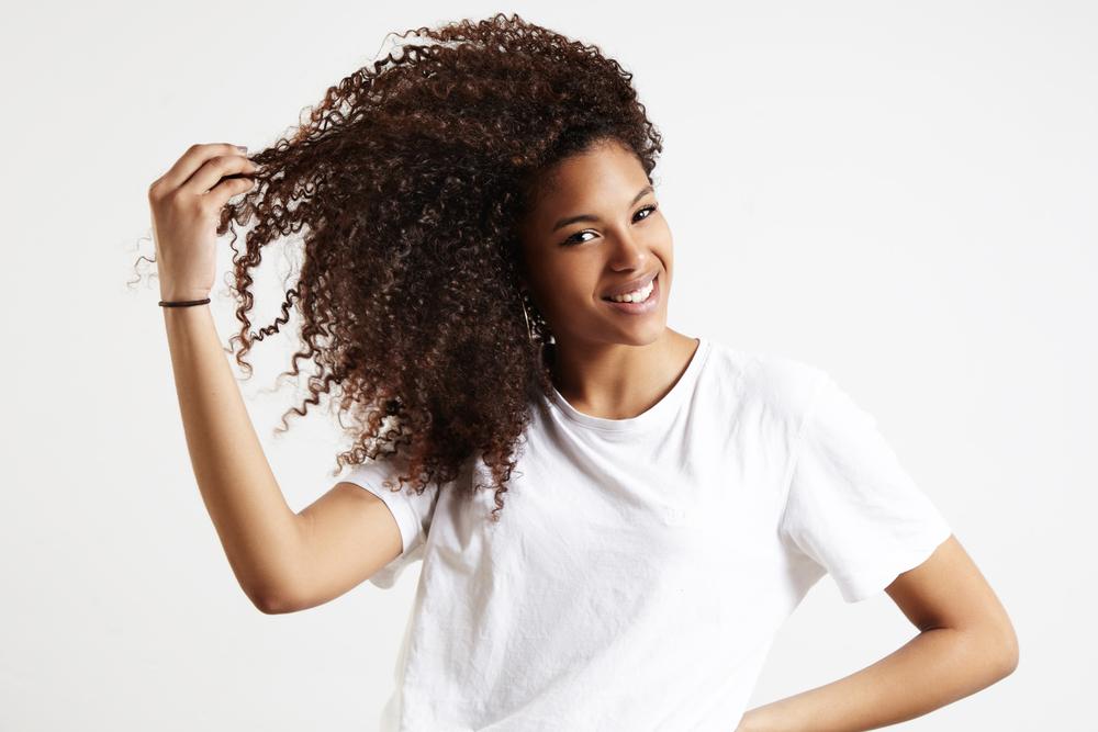 cabelo crespo ou enrolado