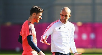 Pep Guardiola joined by Xabi Alonso at Manchester City training