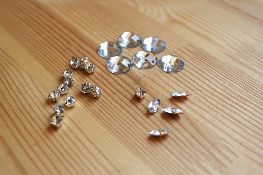 DIY Collar de perlas y piedras Swarovski