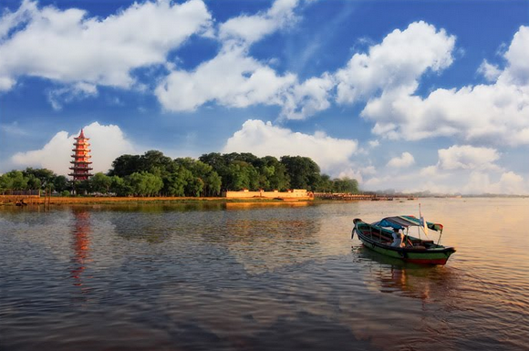 yaitu salah satu kawasan yang populer di Kota Palembang Pulau Kemaro Milik Sumatera Selatan