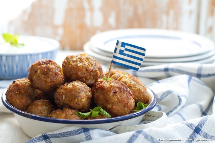 keftedes_keftadakia_kreikkalaiset yrttiset lammaslihapullat_Andalusian auringossa_ruokablogi_matkablogi_gluteeniton, kosher