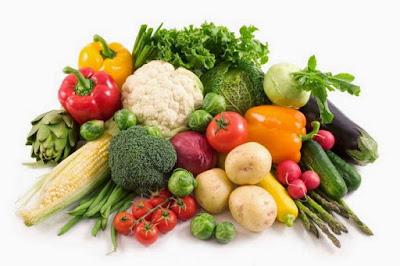 brokoli, kale, bawang bombai, paprika dan bayam kaya flavanoid