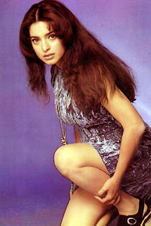 Juhi Chawla Hot Legs In Style