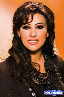 نجوى كرم (Najwa Karam)، مغنية لبنانية، ولدت يوم 26 فبراير 1966
