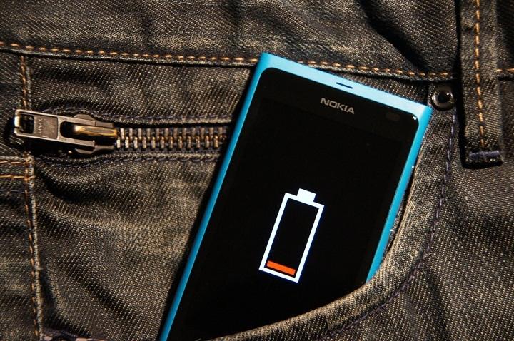 alasan smartphone boros baterai