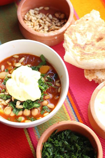 soupe orientale pignons de pins, persil