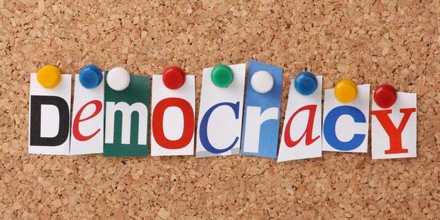 Pengertian Demokrasi Ciri Prinsip Dan Kelebihan Demokrasi