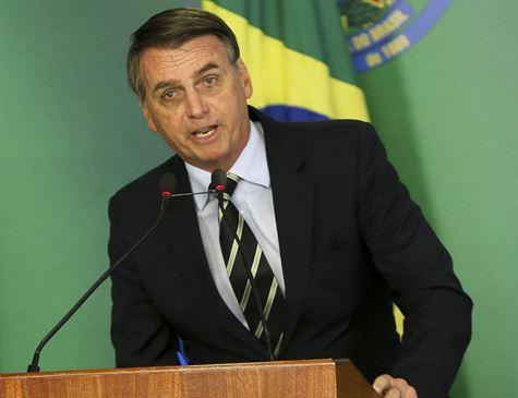 'Apenas o primeiro passo', diz Bolsonaro sobre flexibilização da posse de armas