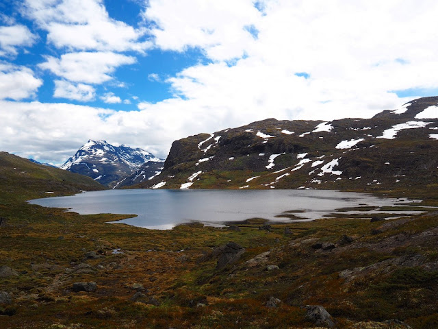 Jezero, trek, Jotunheimen, Norsko, příroda