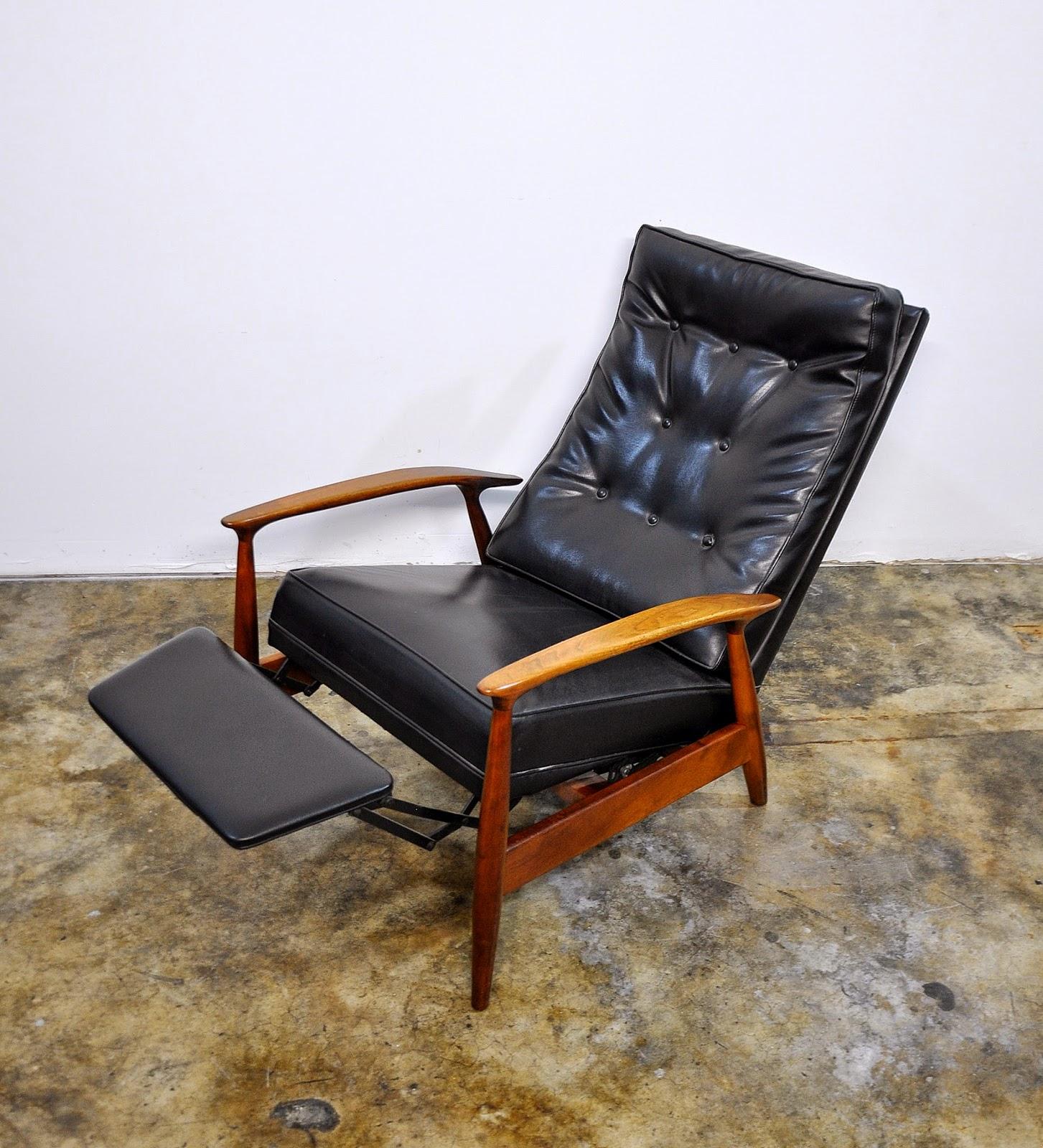 Select Modern Milo Baughman For Thayer Coggin Inc