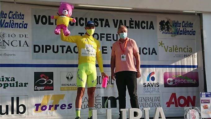 Mauricio Moreira lidera la Volta a Valencia