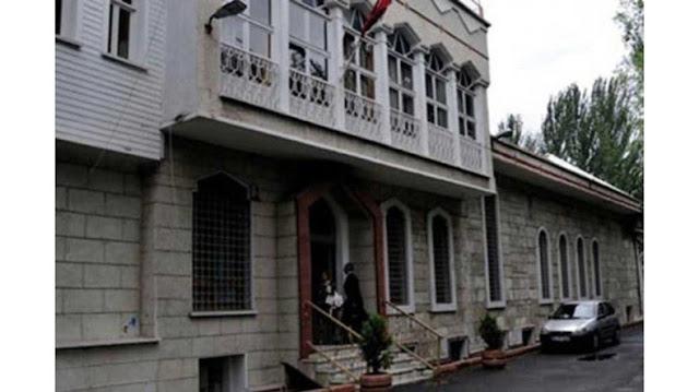 Apedrean a feligreses de la iglesia armenia en Estambul