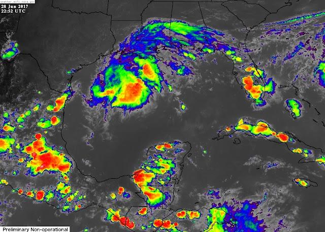 Lloviznas aisladas sobre el noroeste y centro de Yucatán