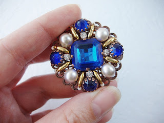 gifts, gift ideas, brooch gift, gift for her