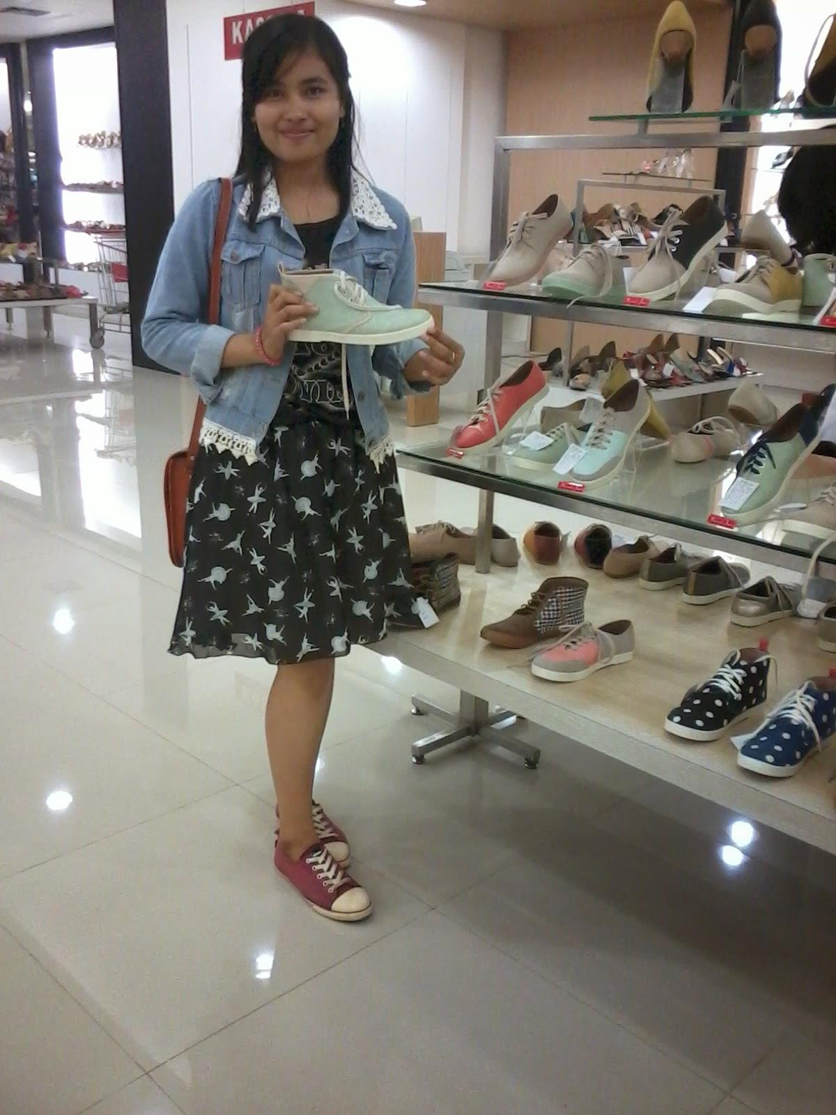 Pilih-pilih Sepatu