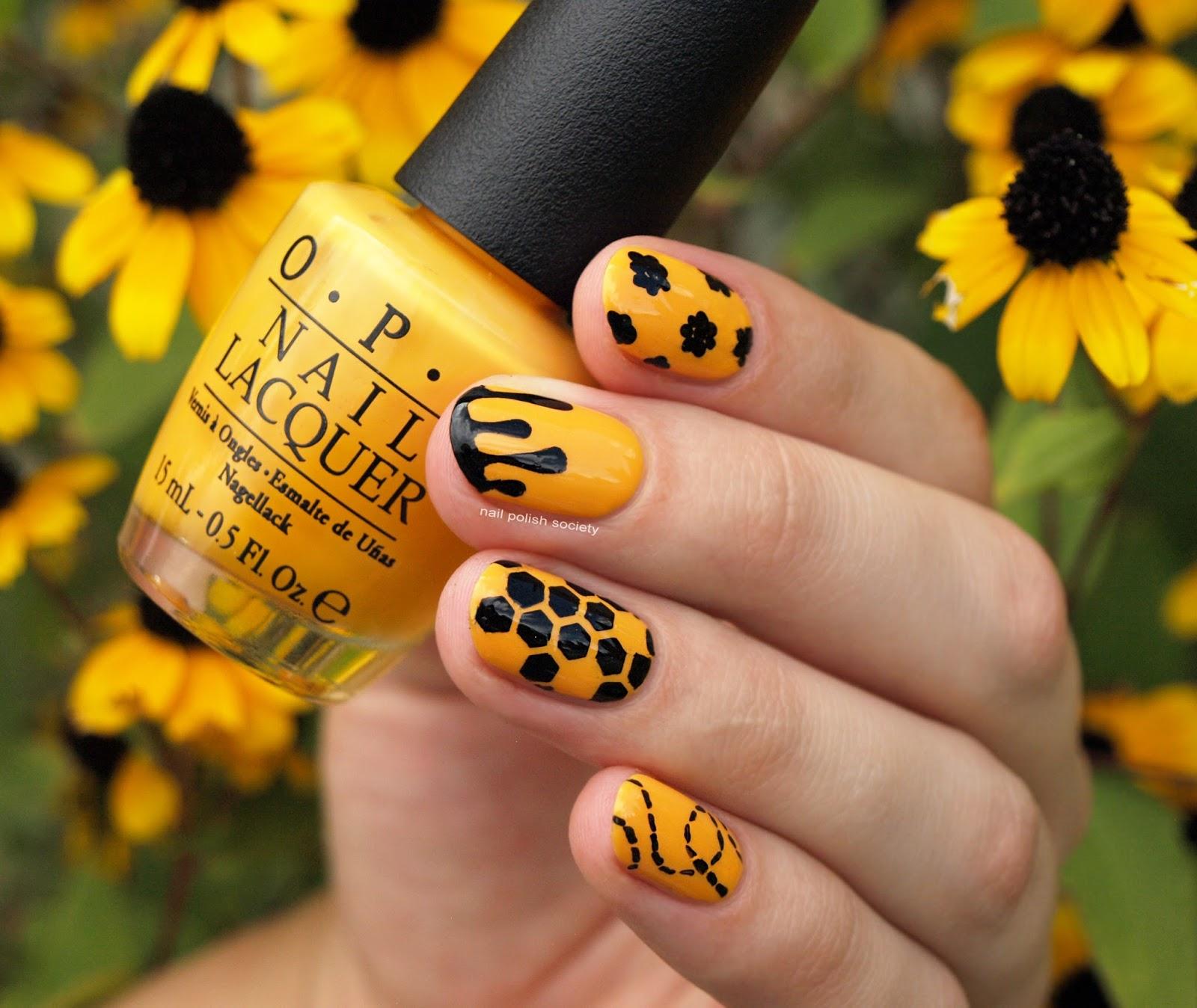 Nail Polish Society: 31DC2016 Day 3: Honey Bee Nails