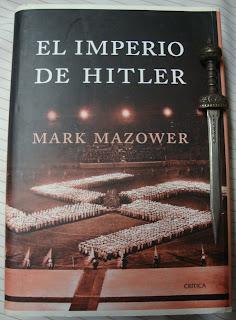 Portada del libro El imperio de Hitler, de Mark Mazower