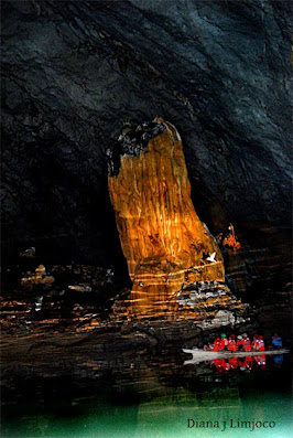 A giant stalagmite at the underground river