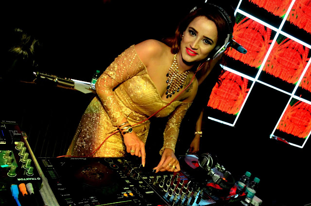 Courtyard by Marriott, Agra organises Rock n Rolla 2.0 with hottest celebrity DJ Akanksha Popli