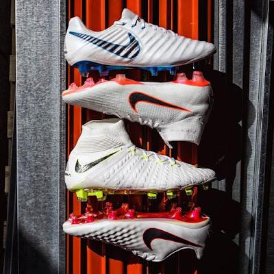 7b911ccb4f768 A chuteira Nike Magista é branca e prateada com detalhes em vermelho claro,  enquanto a clássica Nike Tiempo completa o pack de chuteiras Nike para a  Copa do ...
