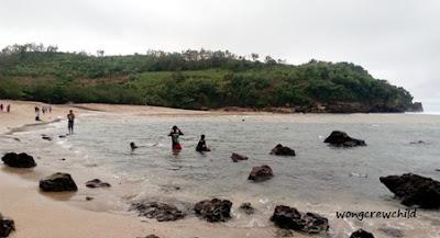 lokasi pantai pangi blitar