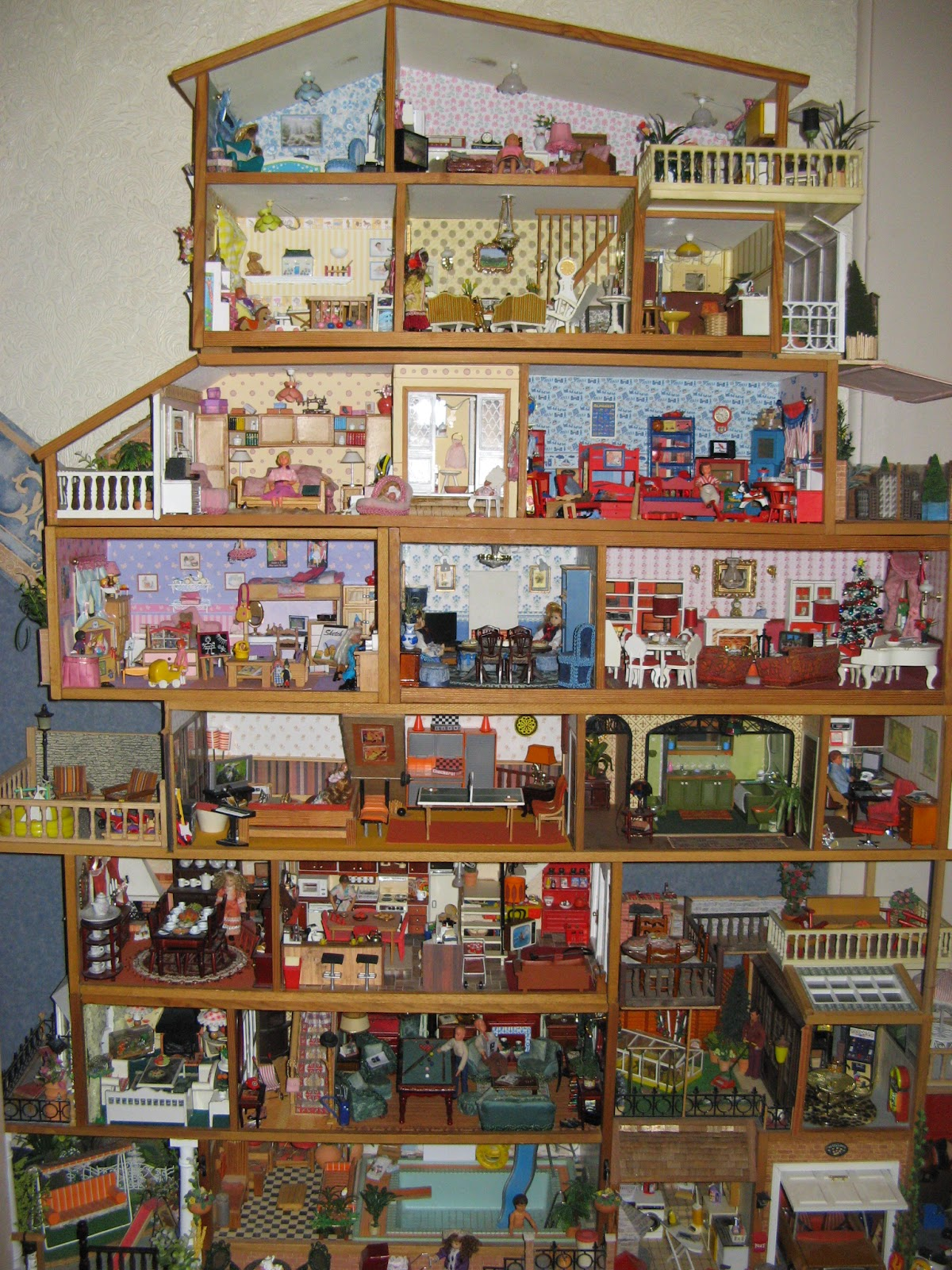 Dollhouse living room furniture