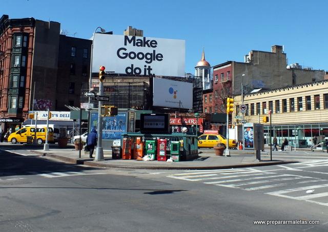 cruce de calles por Nueva York