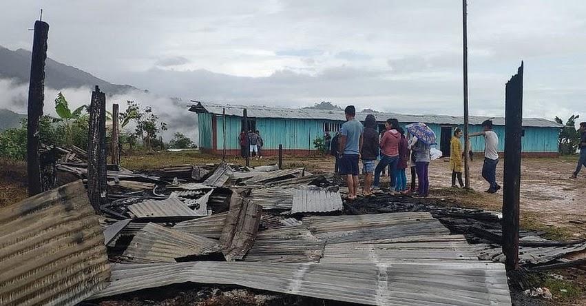 Aulas y carpetas de colegio en Huanta quedan en cenizas tras incendio - Ayacucho