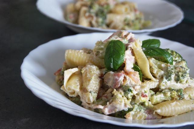 co na obiad, szybki obiad, kolacja we dwoje, makaron przepis, makaron z brokułem, pomysł na obiad, pomysł na kolację, na kolację we dwoje, kuchnia włoska przepis, pyszny makaron, najlepszy makaron z brokułami
