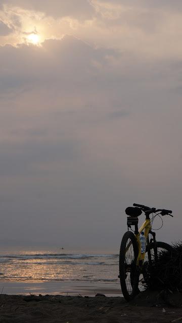 Sunrise Pantai Bojong Salawe Pangandaran