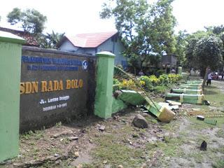 Dihantam Banjir, Pagar SDN Rada Roboh