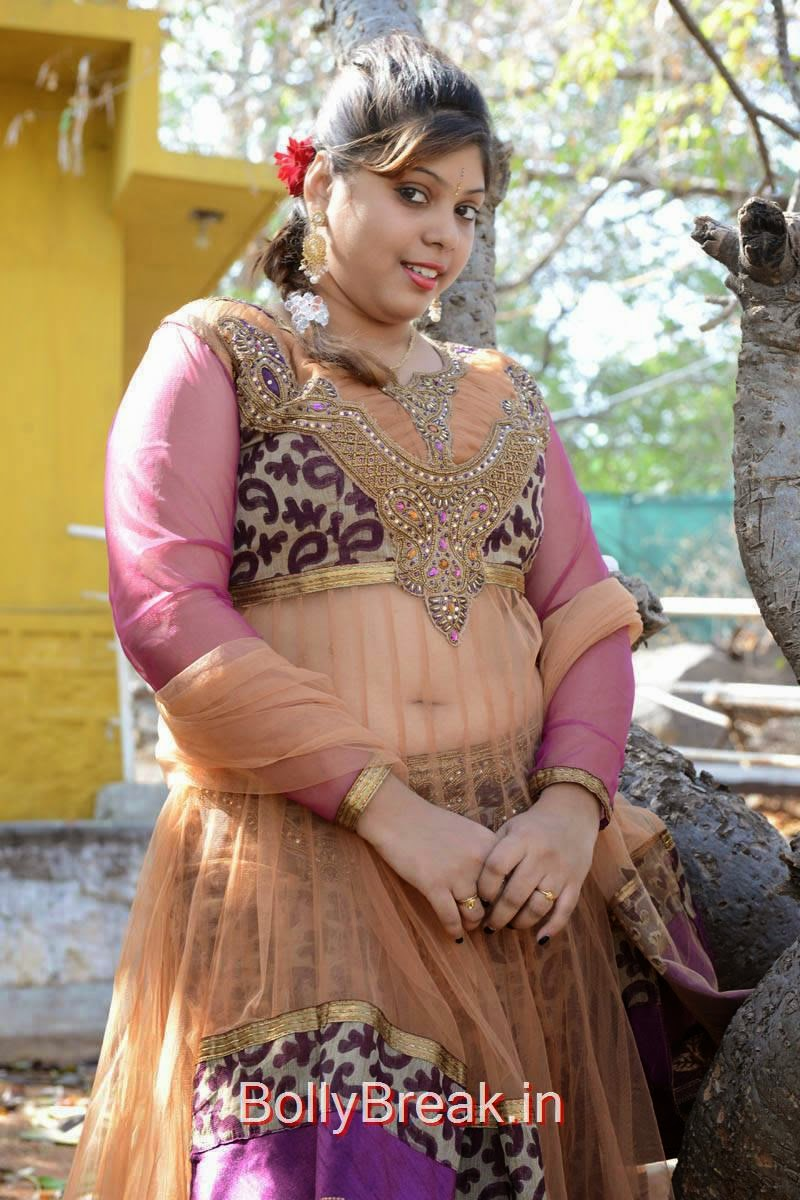Haritha Photo Gallery with no Watermarks, Actress Haritha Hot Pics In Churidar