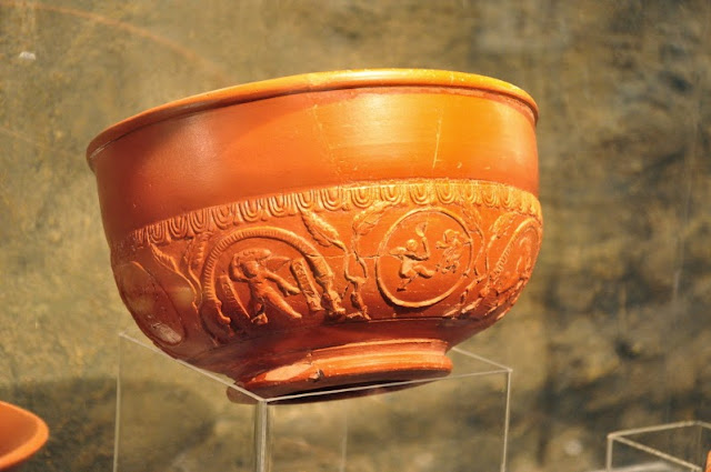 rzymskie artefakty z Czech, wystawione na zamku w Mikulovie, terra sigillata