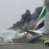 Avião Boeing 777 com 300 pessoas pega fogo após pouso